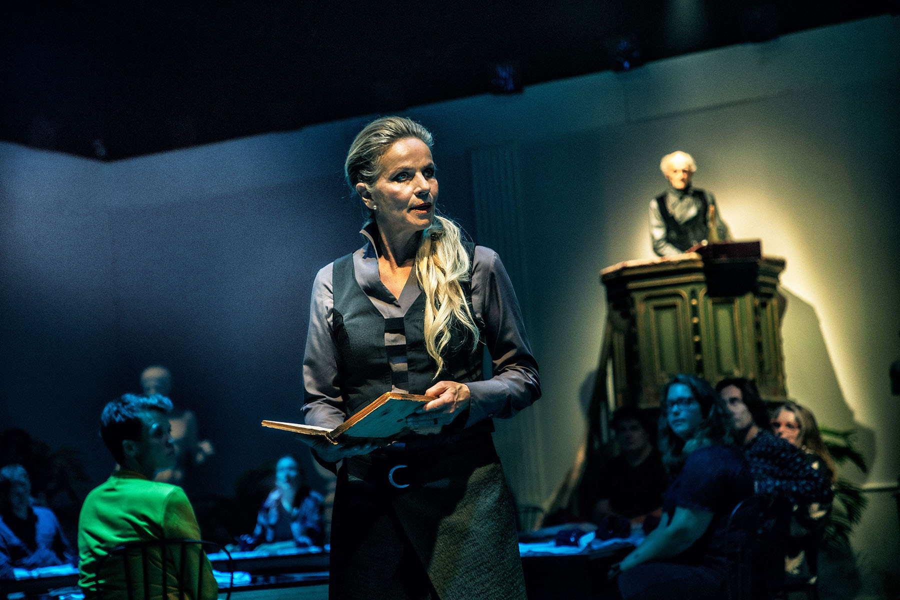 03-Østerbro-Teater-BabettesGæstebud-Fotograf- Per Morten Abrahamsen-LILLE7