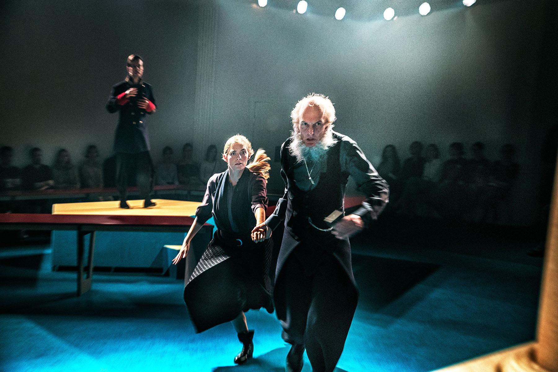 04-Østerbro-Teater-BabettesGæstebud-Fotograf- Per Morten Abrahamsen-4LILLE